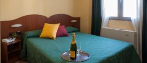 camera-matrimoniale-doppia-hotel-centrale-milano
