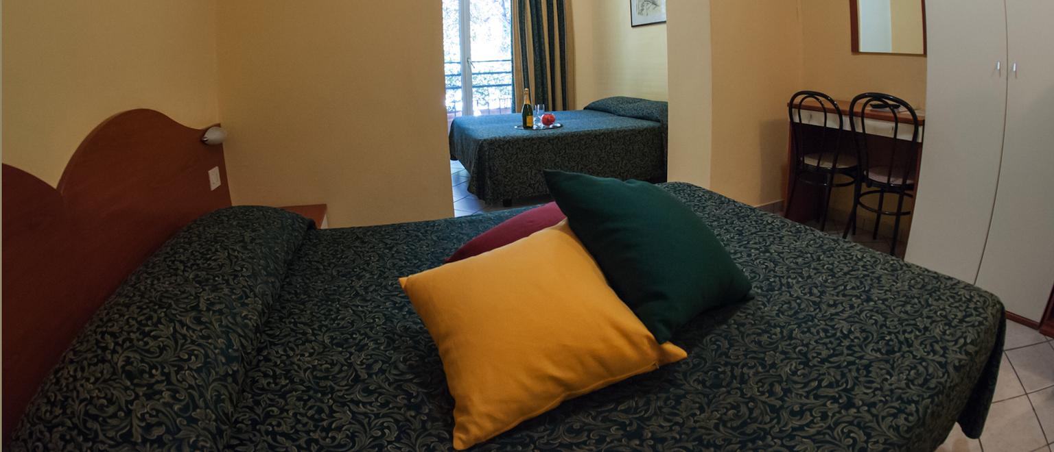 camera-per-quattro-hotel-in-centro-milano-familiare