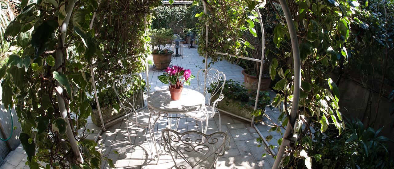 hotel-area-fumatori-giardino-milano